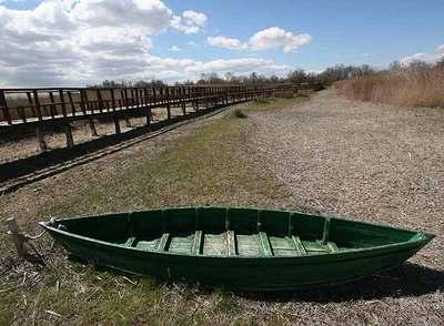 <span class='resaltar'>Daimiel</span> barca en seco foto El País