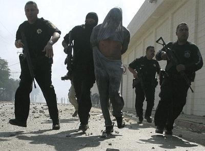Policia Federal (Fotografias) Policia_federal_detiene_miembro_banda