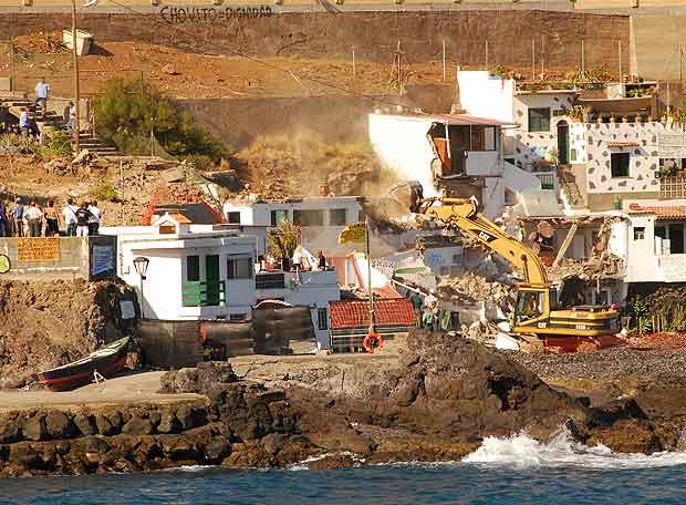 Home demolitions, Cho Vito, Tenerife, Spain, Ley de Costas