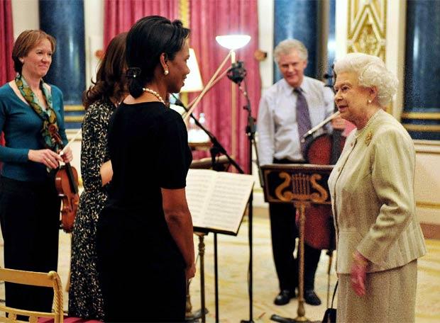 Isabel II felicita a Condoleezza Rice