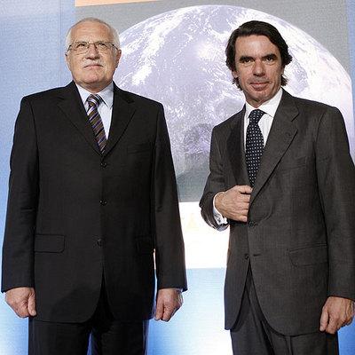 El presidente checo, Václav Klaus, con José María Aznar