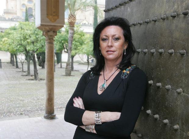 Dolores Jiménez Aguilar, en el Patio de los Naranjos de Córdoba