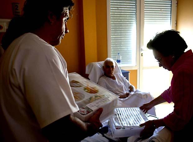 El Gobierno andaluz es el primero en fijar en una ley los cuidados paliativos.- GARCÍA CORDERO