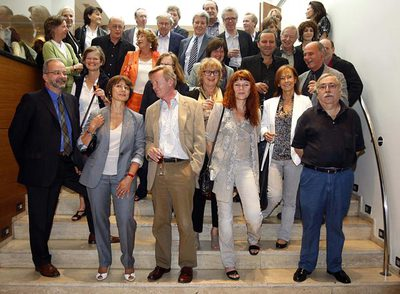 Jorge Herralde, con algunos de sus autores