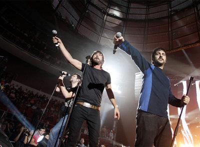Santi Millán y el dúo Estopa, en el concierto por el Sáhara