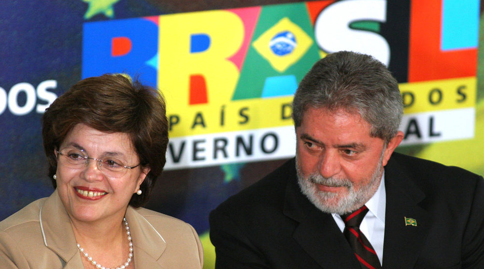 http://www.elpais.com/recorte/20091220elpepiint_3/XXLCO/Ies/Dilma_Rousseff_Lula_da_Silva.jpg
