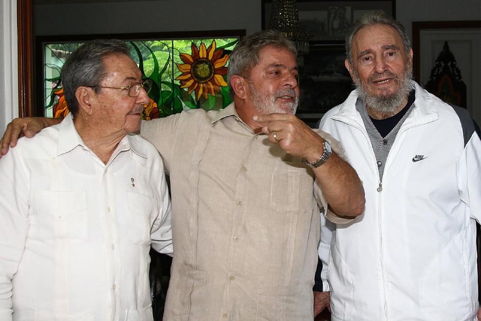 Lula con los hermanos Castro