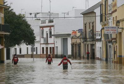external image Desbordamiento_rio_Guadalquivir.jpg