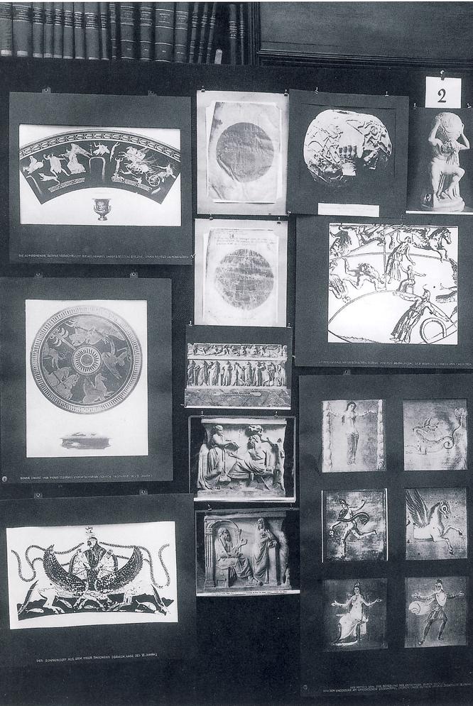 Panel número 2 ('Representación griega del cosmos') del Atlas Mnemosyne (Akal), de Aby Warburg.-