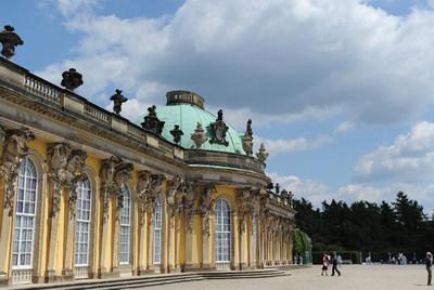 Una vista del palacio rococó de Sanssouci, en Postdam, residencia de verano de Federico el Grande.- AFP