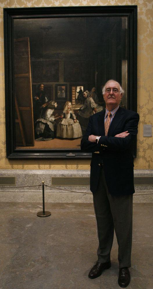 Jonathan Brown, especialista en Velázquez, ante Las Meninas.- L. SEVILLANO