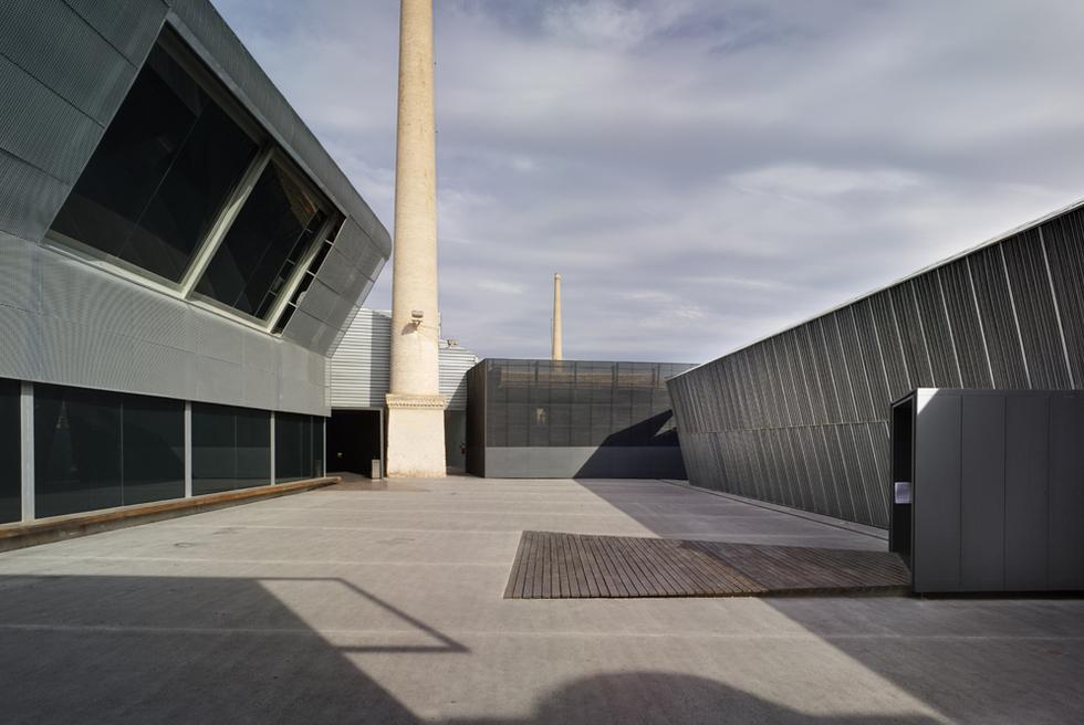 Instalaciones de La Conservera, de Murcia, rehabilitación de una antigua fábrica de conservas realizada por el arquitecto Fernando de Retes.-