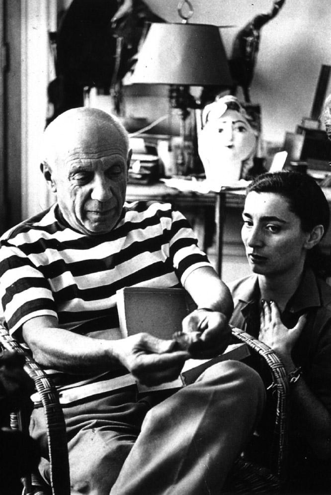 Pablo Picasso y Jacqueline Roque en Cannes.- ANDRÉ VILLERS