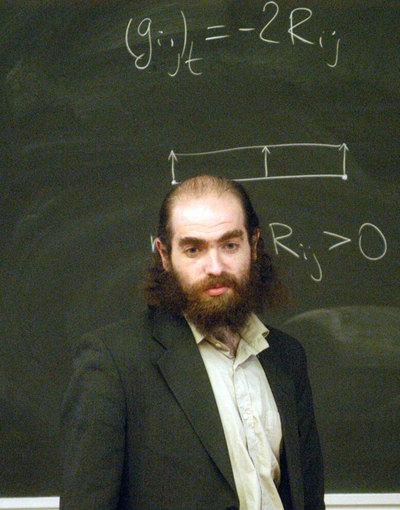 Grigori Perelman, tras resolver la conjetura de Poincare, dejo su trabajo en el prestigioso Instituto Steklov, de Moscu, en 2005 y anuncio que abandonaba las matematicas.