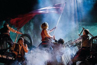 Un dibujo de Victor Hugo como parte del decorado del musical