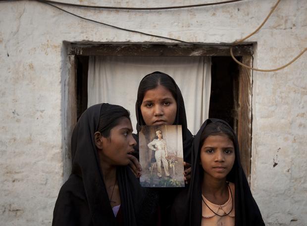 Las hijas de Asia Bibi, cristiana paquistaní sentenciada a muerte por blasfemia