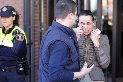 Una empleada del centro de salud tras una agresión a hachazos