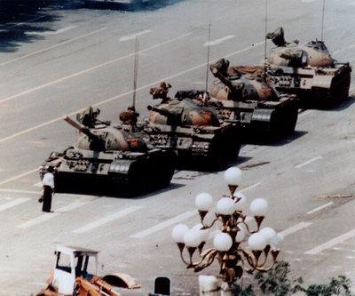 http://www.elpais.com/recorte/20110601elpepiint_5/XXLCO/Ies/Tiananmen_1989.jpg