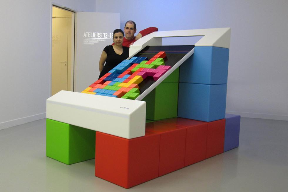 Belén Montero y Juan Lesta posan en una de las salas del Centro Pompidou de Metz