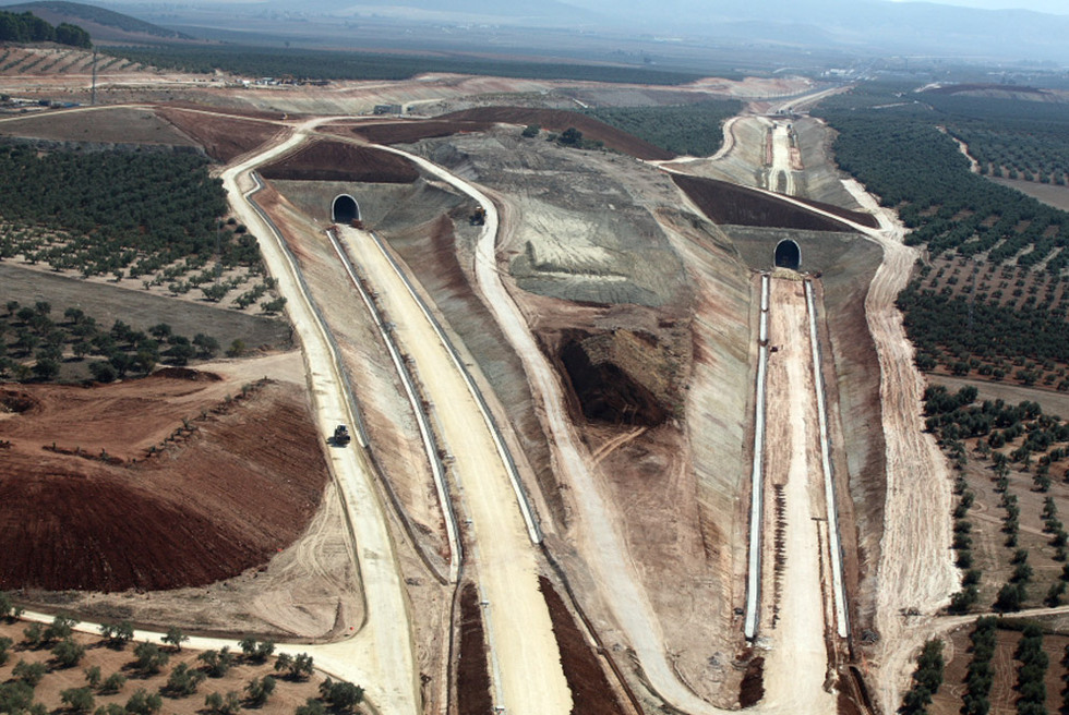 Obras linea Ave Fuente Piedra Antequera