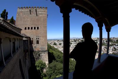 Vistas del barrio del Albaicín desde El Peinador de la Reina, uno de los lugares cerrados al público de la Alhambra de Granada.- PEPE MARÍN ZARZA