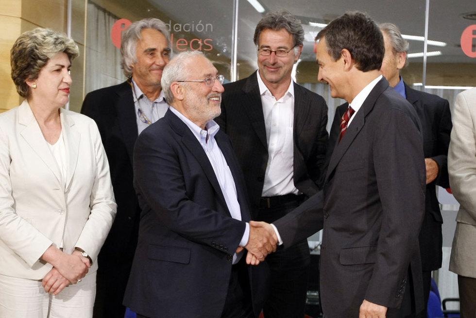 Zapatero saluda al economista y Premio Nobel Joseph Stiglitz