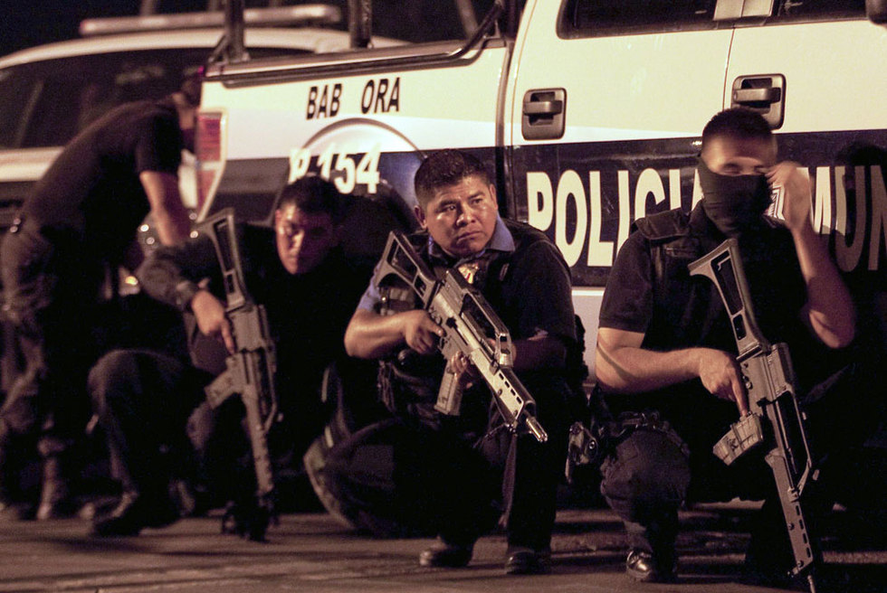 Policías en el tiroteo de un penal de México