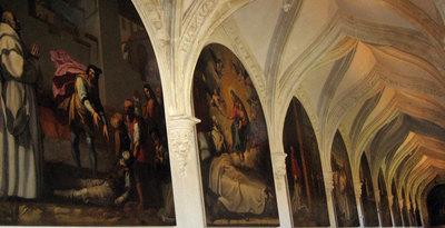 Los cuadros de Carducho, ayer, tras ser recolocados sobre los muros del claustro que los alojó desde 1632 hasta 1834.- R. F.