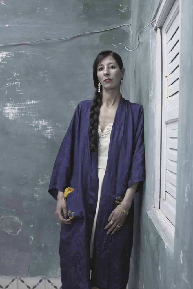 Mehri, Zarin Series (2005), de Shirin Neshat.-