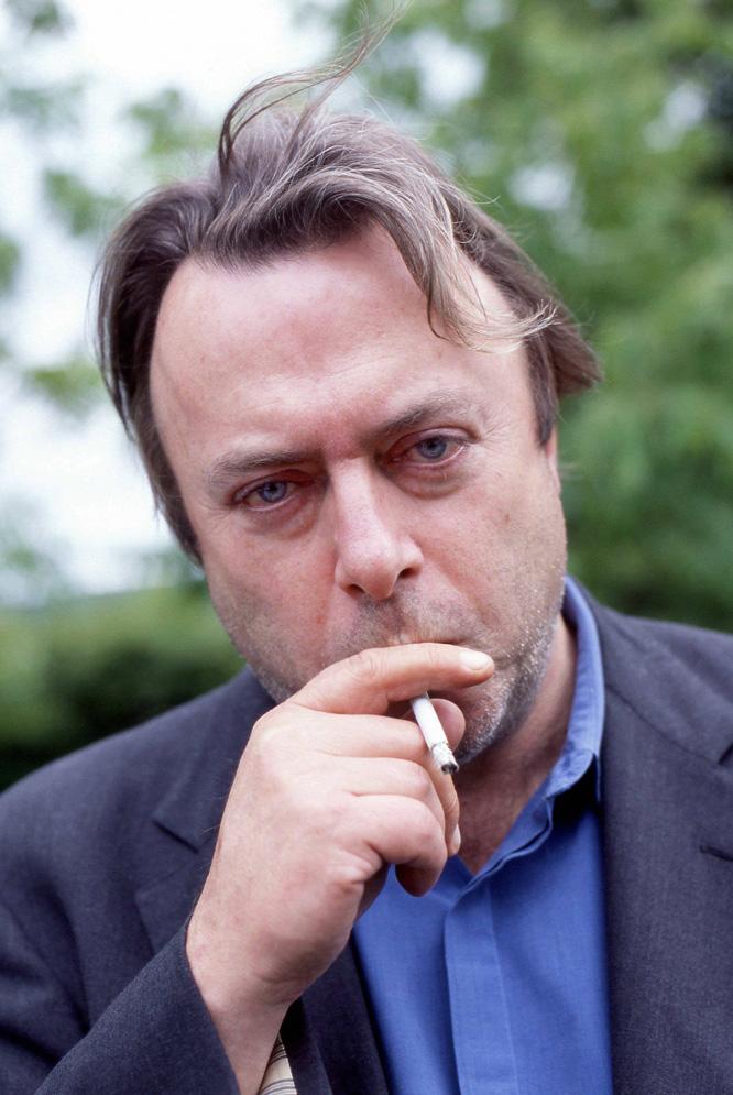 Christopher Hitchens, en 2003 durante su visita al Guardian Hay Festival de Gales.- CORDON