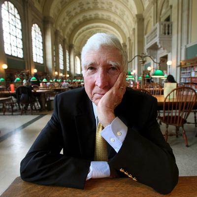 El escritor estadounidense John Updike, en la biblioteca de Boston, en 2006.- ROBERT SPENCER (CORDON PRESS)