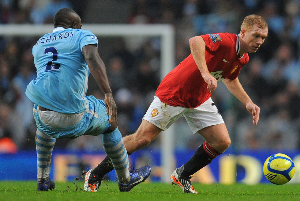 Scholes se escapa de Richards
