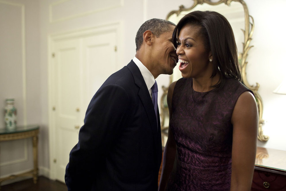El presidente Obama comparte confidencias con su esposa, Michelle