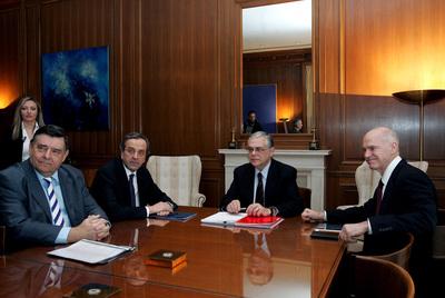 Los partidos griegos apoyan al Gobierno en el nuevo rescate