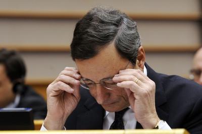 Más de medio billón de euros fuera del mercado de crédito