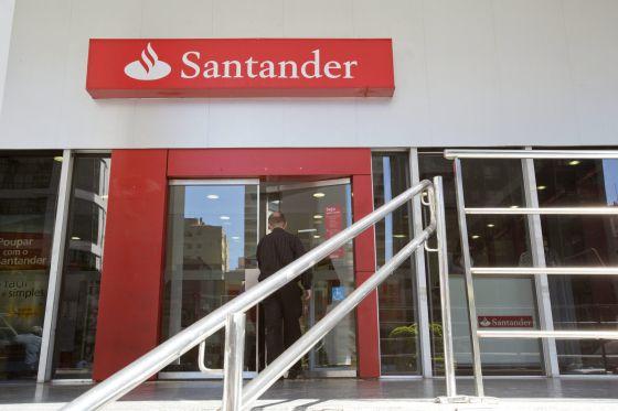 El santander cerrar 425 oficinas y reducir plantilla for Oficina de correos santander
