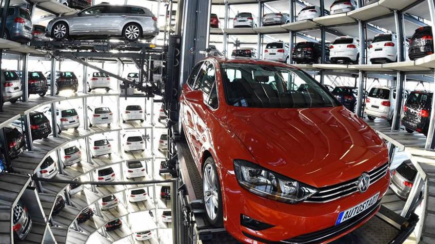 Volkswagen paraliza la producción de golf y passat en seis plantas ...