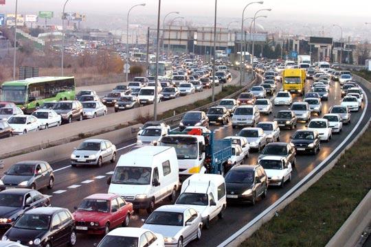 "www.elpais.com/recorte/20050111elpepunac_1/SCO250/Ies/choque_camion_puente_colapsa_trafico_Madrid.jpg"" porque contiene errores."