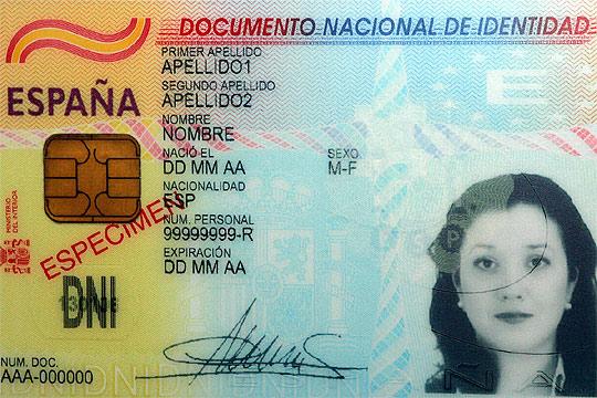 Formato del nuevo dni electr nico actualidad el pa s for Dni ministerio del interior turnos
