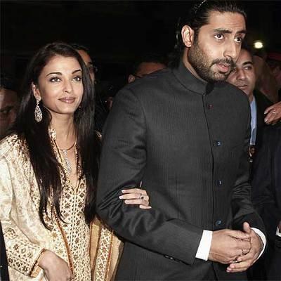 Aishwarya Rai Bachchan - Page 3 Aishwarya_Rai_Abhishek_Bachchan_llegada_estreno_pelicula_Guru_Toronto