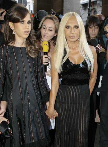 http://www.elpais.com/recorte/20070716elpepirdv_1/XLCO/Ies/Donatella_Versace_hija_Andrea.jpg