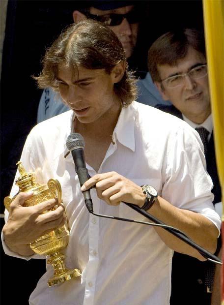 Photos et vidéos de Rafael Nadal - Page 2 20080708elpepudep_20