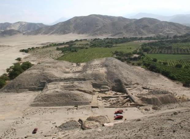 Un complejo monumental de 5.500 años - una plaza de 20.000 metros cuadrados