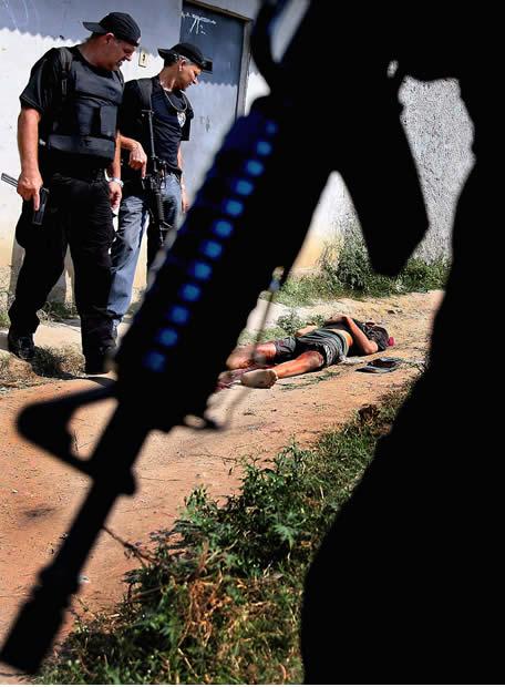Cuando el malo es la policía - El conflicto