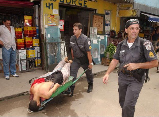 Cuando el malo es la policía - El traslado