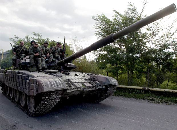 El polvorín de Osetia del Sur - Las tropas georgianas se retiran