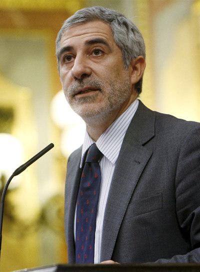 El todavía coordinador general de IU, en la tribuna del Congreso el pasado 2 de octubre.- EFE