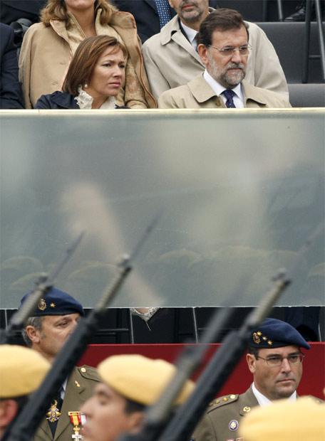 Mariano_Rajoy_durante_parada_militar_Fiesta_Nacional.jpg