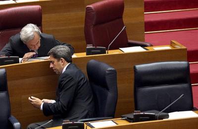Camps releva a Ricardo Costa de todos sus cargos