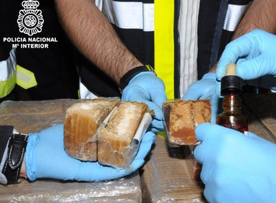 Hallada cocaína en 17 toneladas de dulces de Suramérica.